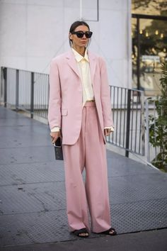Monochrome Outfit, Pink Suit, Summer Suits, Style Snaps, Slim Legs, Fashion Games, Suits For Women, Latest Fashion Trends, Street Style