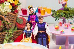 Festa Heróis e Princesas | Macetes de Mãe Disney Characters, Fictional Characters, Disney Princess, Ladder, Baby Boys, Ideas, Princesses, Fantasy Characters, Disney Princesses