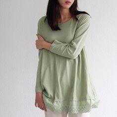 Korea womens apparel shopping mall [REDKITTEN] Lace hem rongti / Size : FREE / Price : 35.15 USD #korea #fashion #style #fashionshop #woman-fashion #casual #ootd #basic #daily #tee #t-shirt #lace