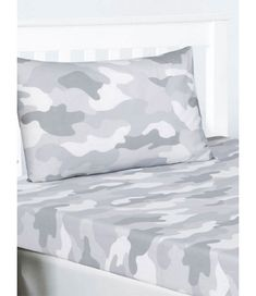 This Grey Army Camouflage Single Fitted Sheet and Pillowcase Set is the perfect finishing touch for any bedroom. Double Duvet Covers, Single Duvet Cover, Camouflage Wallpaper, Army Bedroom, Army Camouflage, Sheet Sets, Pillow Cases, Grey, Bedding