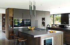 Modern grey and wood kitchen contemporary kitchen by extreme Modern Grey Kitchen, Modern Kitchen Island, Kitchen Islands, Architecture Design, Residential Architecture, 1960s House, Luxury Kitchen Design, Kitchen Designs, Kitchen Photos