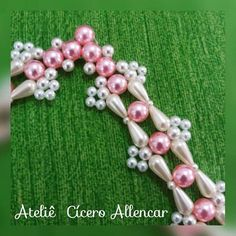 Decorated Wine Glasses, Alphabet Beads, Beaded Sandals, Bead Weaving, Ball Gowns, Projects To Try, Jewelry Making, Hair Accessories, Embroidery