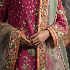 The embroidery is very detailed and consists of resham, zardoze and gota work. The shirt is finished with gota and jamawar borders. Bridal Mehndi Dresses, Desi Wedding Dresses, Bridal Dress Design, Party Wear Dresses, Pakistani Fashion Party Wear, Pakistani Wedding Outfits, Pakistani Wedding Dresses, Bridal Outfits, Simple Pakistani Dresses