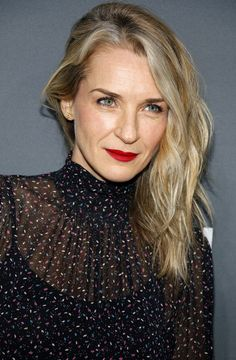 Ever Carradine has joined Hulu's upcoming TV series The Handmaid's Tale. What do you think? Have you read the Margaret Atwood novel?