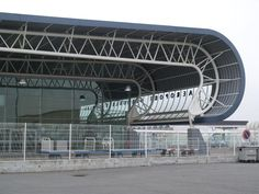 France: Grenoble Isere Airport: roof support structure (2001, architect Atelier A)