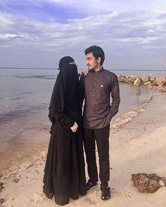 Muslim Family, Muslim Couples, Niqab, Islamic Girl, Wedding Hijab, Dua, Mode Hijab, Hijab Fashion, Brides