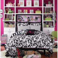 If you want a fabulous teen bedroom you need to start with some fabulous teen bedding ideas! Find the teen bedding ideas you need to get started! Teen Bedding, White Bedding, Bedding Sets, Comforter Set, Teen Girl Bedrooms, Teen Bedroom, Bedroom Decor, Bedroom Ideas, Bed Ideas