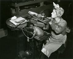 Minerva Matzkowitz at the Brooklyn Navy Yard. Official U. Navy Photo, New-York Historical Society. Historical Images, Historical Society, Women's Land Army, Naval History, Art History, Rosie The Riveter, United States Navy, Old Photos, Antique Photos