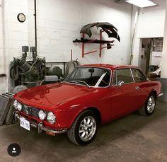 Giulia GTV Alfa Giulia, Alfa Romeo Gtv, Hot Rides, Car Manufacturers, Cool Cars, Transportation, Classic Cars, Automobile, Wheels