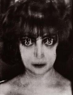 Portrait of the Marchesa Luisa Casati by Man Ray, Paris 1922