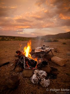 BBQ on the beach - Sutherland, South Africa Outdoor Fun, Outdoor Decor, South African Recipes, Out Of Africa, We Fall In Love, Beach Town, Bushcraft, Glamping, Outdoor Living