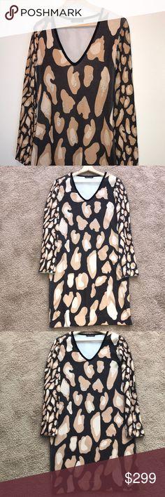 Class dress by Roberto Cavalli! Class dress by Roberto Cavalli! 💛🖤🛍👜💎💎👜🖤💛 Class Roberto Cavalli Dresses