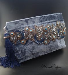 Marvelous Make a Hobo Bag Ideas. All Time Favorite Make a Hobo Bag Ideas. Embellished Purses, Beaded Purses, Beaded Bags, Diy Handbag, Diy Purse, Embroidery Purse, Beaded Embroidery, Handmade Clutch, Handmade Bags