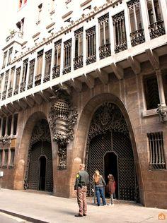 C/ Nou de la Rambla, . The entrance of the Palau Palau Güell, Barcelona. Barcelona Tourism, Gaudi, Entrance, Louvre, Street View, Architecture, Building, Modern, Travel