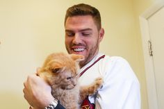 Baseball Guys, Braves Baseball, Baseball Players, Atlanta Braves, Most Beautiful Pictures, Cute Animals, Internet, Dogs, Photos