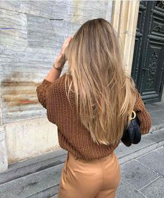 Long Ash Blonde Hair - 20 Best Long Hairstyles for Women of All Ages 2019 - The Trending Hairstyle Blonde Hair Looks, Brown Blonde Hair, Fall Blonde Hair Color, Soft Brown Hair, Caramel Blonde Hair, Honey Brown Hair, Hair Color Caramel, Golden Blonde Hair, Thick Hair