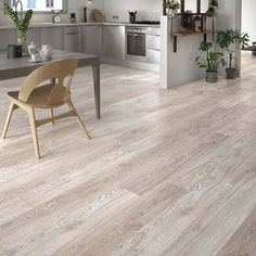 Kitchen with laminate wood flooring Laminate Flooring Colors, Basement Flooring Options, Vacuum For Hardwood Floors, Refinishing Hardwood Floors, Wooden Floor Tiles, Wooden Flooring, Grey Flooring, Floor Colors, Leroy Merlin