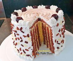 Tort spirala cu vanilie si frisca Cacao Beans, Cake, Desserts, Food, Tailgate Desserts, Deserts, Kuchen, Essen, Postres