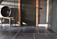 Natuursteenlook vloertegels | Steenbergen Tegels Tile Floor, Bathtub, Flooring, Bathroom, Modern, Walls, Design, Lush, Standing Bath