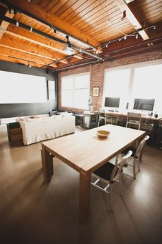 Bess & Peter's Brick & Timber Loft. I'm in love with this. Click through for the full home tour.