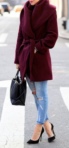"""Brooklyn Blonde has Styled this Tahari Marla Shawl-Collar Wrap Coat to Perfection. Beautiful Wrap coat sans the """"Pauper """" look jeans hmmm just a waste😏 Brooklyn Blonde, Style Work, Mode Style, Wrap Style, Street Style Trends, Street Styles, Winter Date Night Outfits, Fall Outfits, Casual Outfits"""