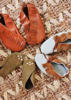 DIY Moccasins for Children (super easy to make!)
