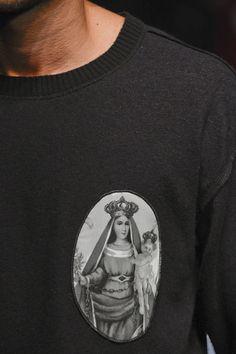 Dolce & Gabbana Fall 2013 Menswear Fashion Show Details Fashion Show, Mens Fashion, Fashion Design, Gothic Aesthetic, Mother Goddess, Dolce And Gabbana Man, Dress Codes, Black Men, Winter Fashion