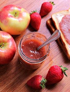 Slow Cooker Strawberry Applesauce | The Magical Slow Cooker