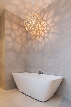 Bathroom Inspo, Bathroom Interior, White Bathroom, Oslo, Tiles, Bathtub, Bad, Decor Ideas, Cement