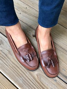 41f1f6ad407 Vintage Classic Bass Woman s Fringe Loafers Woman Size 8M Brown Leather  Loafers