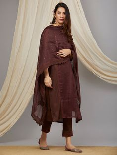 Brown Cotton Mul Kurta with Pants and Hand Embroidered Chanderi Dupatta - Set of 3 Ethnic Outfits, Indian Outfits, Trendy Outfits, Indian Clothes, Indian Designer Suits, Designer Kurtis, Dress Indian Style, Indian Dresses, Indian Attire