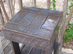 Recycled Pallet Project – Distressed Plant Stand
