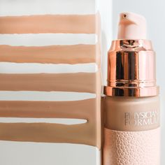 Nude Wear Touch of Glow Foundation helps to achieve a no makeup look with a luminous touch.