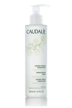 Tónico hidratante rostro y ojos de Caudalíe. Revitaliza la piel y la deja fresca y suave (9,20 euros).