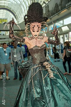Now that's impressive. Alien Makeup, Movie Makeup, Sfx Makeup, Costume Makeup, Scary Makeup, Up Costumes, Cosplay Costumes, Halloween Costumes, Amazing Cosplay