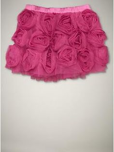 tutorial for the skirt and the flowers-my baby girl is so going to have one of these to wear for valentines day.
