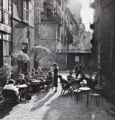 Ugo Mulas Jamaica Bar, Milan, with artists Cesare Peverelli, Alfredo Chighine and photographer Alfa Castaldi, 1953-54