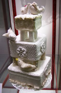Knitted wedding cake by Dancing Fish, via Flickr