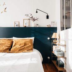 my scandinavian home: A Charming French Family Home Full of Inspiring Details Slaapkamerideeën - Enk Blue Bedroom, Home Decor Bedroom, Bedroom Wall, Bedroom Headboards, Trendy Bedroom, Diy Bedroom, Bedroom Ideas, Bedroom Cushions, Bedroom Shelves