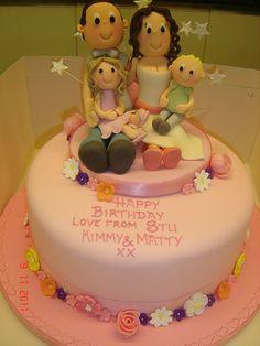 Family Cake Chanel Cake, Happy Anniversary Cakes, Cake Models, Foundant, Family Cake, Cake Decorating With Fondant, Fondant Tutorial, Creative Cakes, Celebration Cakes