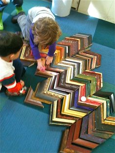 I absolutely love old frames! So many ideas on how you can use them in your early childhood setting. Block Center, Block Area, Play Based Learning, Early Learning, Reggio Emilia, Montessori, Teacher Toms, Kids Collage, Reggio Inspired Classrooms