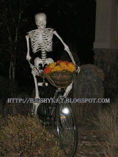 IDEAS & INSPIRATIONS: Halloween Decorations, Halloween Decor: Skeleton on Bicycle