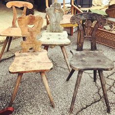 "Daniel Rozensztroch on Instagram: ""Chaises alsaciennes..."" Rustic Furniture, Vintage Furniture, Home Furniture, Mexico Pictures, Dining Chairs, Wooden Chairs, Rustic Shabby Chic, Rustic Jewelry, Wood Storage"
