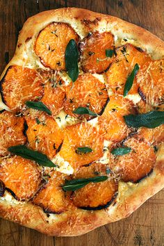 Roasted butternut squash and crispy sage pizza — a fall favorite! Garlic oil, homemade ricotta, roasted butternut squash, fresh thyme and crispy sage make this pizza truly special. Think Food, I Love Food, Food For Thought, Good Food, Yummy Food, Tasty, Delicious Recipes, Healthy Food, Pizza Recipes