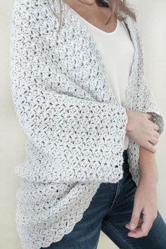 The Blanket Shrug - Free Crochet Pattern - Jewels and Jones Crochet Shrug Pattern Free, Free Crochet, Easy Crochet Shrug, Crochet Top, Crochet Cocoon, Crochet Fall, Crochet Designs, Crochet Clothes, Warm