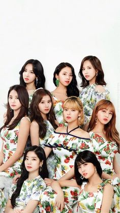 Check out Twice @ Iomoio Nayeon, Kpop Girl Groups, Korean Girl Groups, Kpop Girls, Banda Kpop, Bts K Pop, Signal Twice, Twice Group, Twice Album