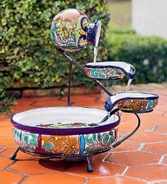 A Solar Fountain Can Transform Your Garden – Gardening Decor Mexican Patio, Mexican Garden, Mexican Home Decor, Mexican Art, Blue Dinnerware Sets, Garden Fountains, Water Fountains, Talavera Pottery, Hacienda Style