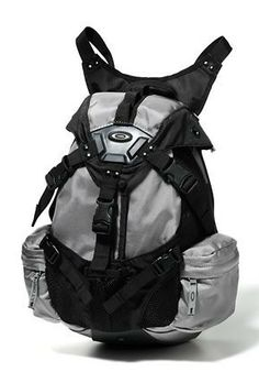 US Patriot Tactical - Oakley Small Icon Backpack - Free Shipping, $75.00 (http://uspatriottactical.com/oakley-small-icon-backpack-free-shipping)