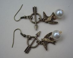The Hunger Games Inspired Arrow and Mockingjay with Peeta's Pearl Earrings-antique brass