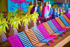 Kledesign Produções faz a festa pronta com o tema: PoolParty da Maria Clara 5 anos tudo feito com muito amor para essa princesaServiços de Festa Pronta contratados:- Decoração- Personalizados- Convites- Lembrancinhas- Fotos do EventoAgradecemos a Inara Dalcin e Renato Dalcin pela confiança e preferência em nossos trabalhos 22nd Birthday, Birthday Parties, 21st Party, Summer Pool Party, Tropical Party, Princesas Disney, Outdoor Blanket, Maria Alice, Party Ideas